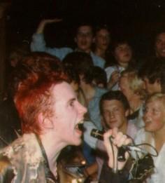 VIRUS: CONTAMIN-AZIONE PUNK A MILANO Alle origini: Il Punk Inglese