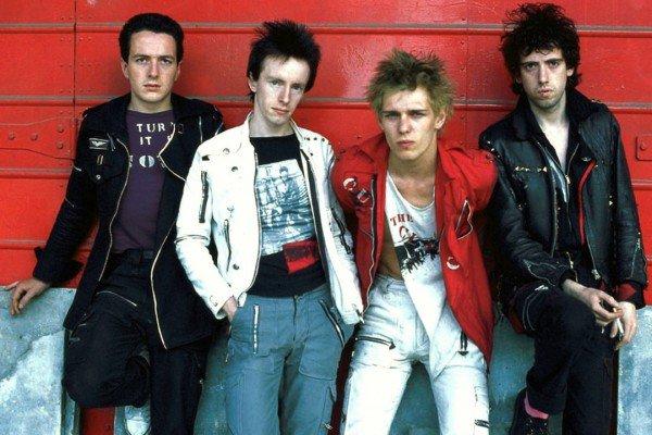 Nuova mostra d'arte per Paul Simonon (The Clash)