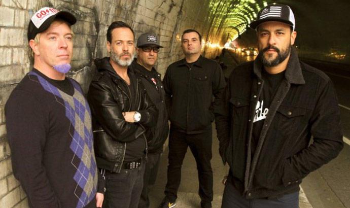 "Strung Out: premiere di ""Drugs Modern"""