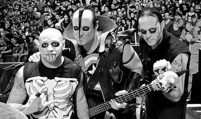 Nuovo capitolo per i Misfits: nuovo 7″, nuovo chitarrista, nuovo tour!