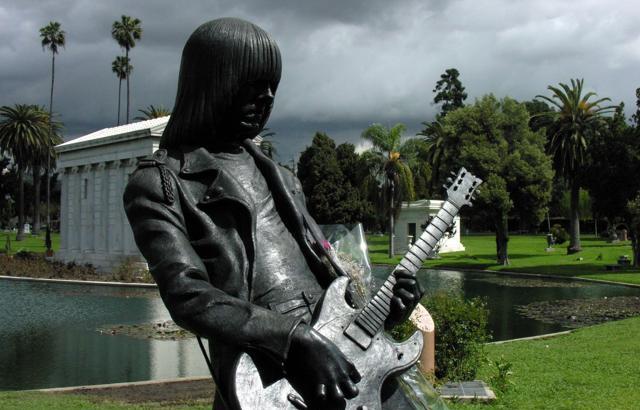 R.I.P. Johnny Ramone! [08.10.1948 – 15.09.2004]