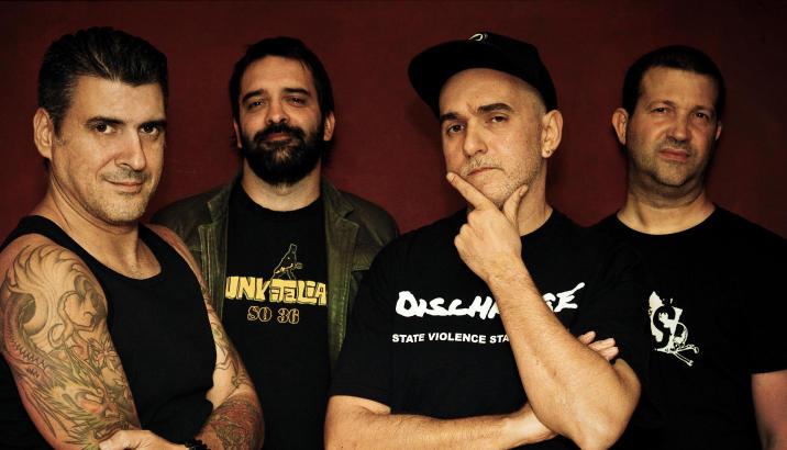 DEROZER: Mendez lascia la band