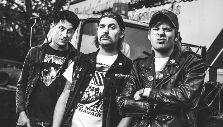 "DeeCRACKS, video per ""Let's Get Locked Away"""