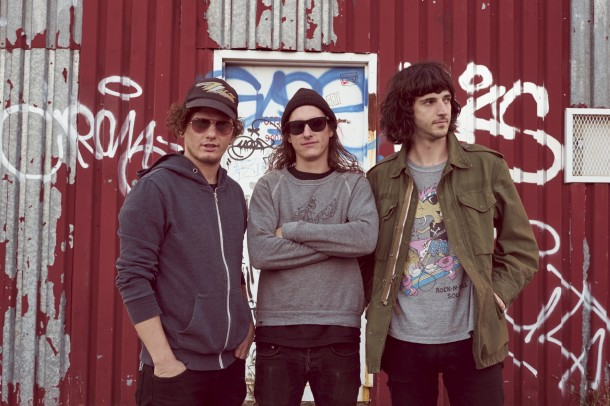 """MEAN JEANS: in streaming """"Tight New Dimension"""""""