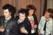 "Sex Pistols in uscita il box set: 4 live album con il celebre ""Lesser Free Trade Hall"" di Manchester"