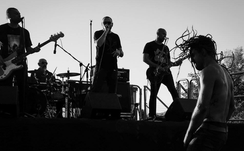 Salta con i Punkreas: il video