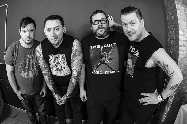 "TEENAGE BOTTLEROCKET: prima cover estratta da ""Stealing The Covers"""