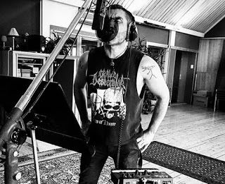 Rodrigo Alfaro in studio per il nuovo album dei Satanic Surfers