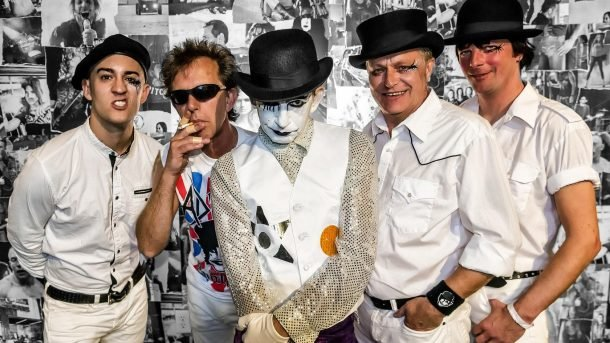 "THE ADICTS: video di ""Picure The Scene"""