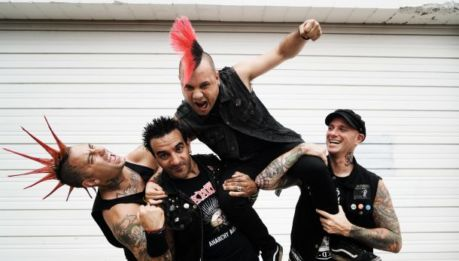 "THE CASUALTIES: in streaming il primo pezzo estratto dal nuovo album ""Written in Blood"""