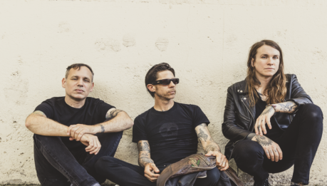 LAURA JANE GRACE & THE DEVOURING MOTHERS: album d'esordio in streaming completo