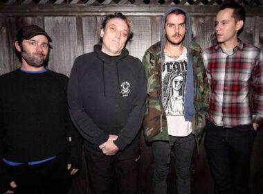 Ancora una superband per un album del 2010