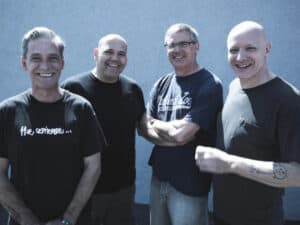 "L' ""arrivederci"" dei DESCENDENTS a Donald Trump"